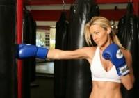 Для чего девушкам заниматься боксом