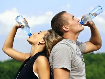 Вода при занятиях спортом: польза или вред